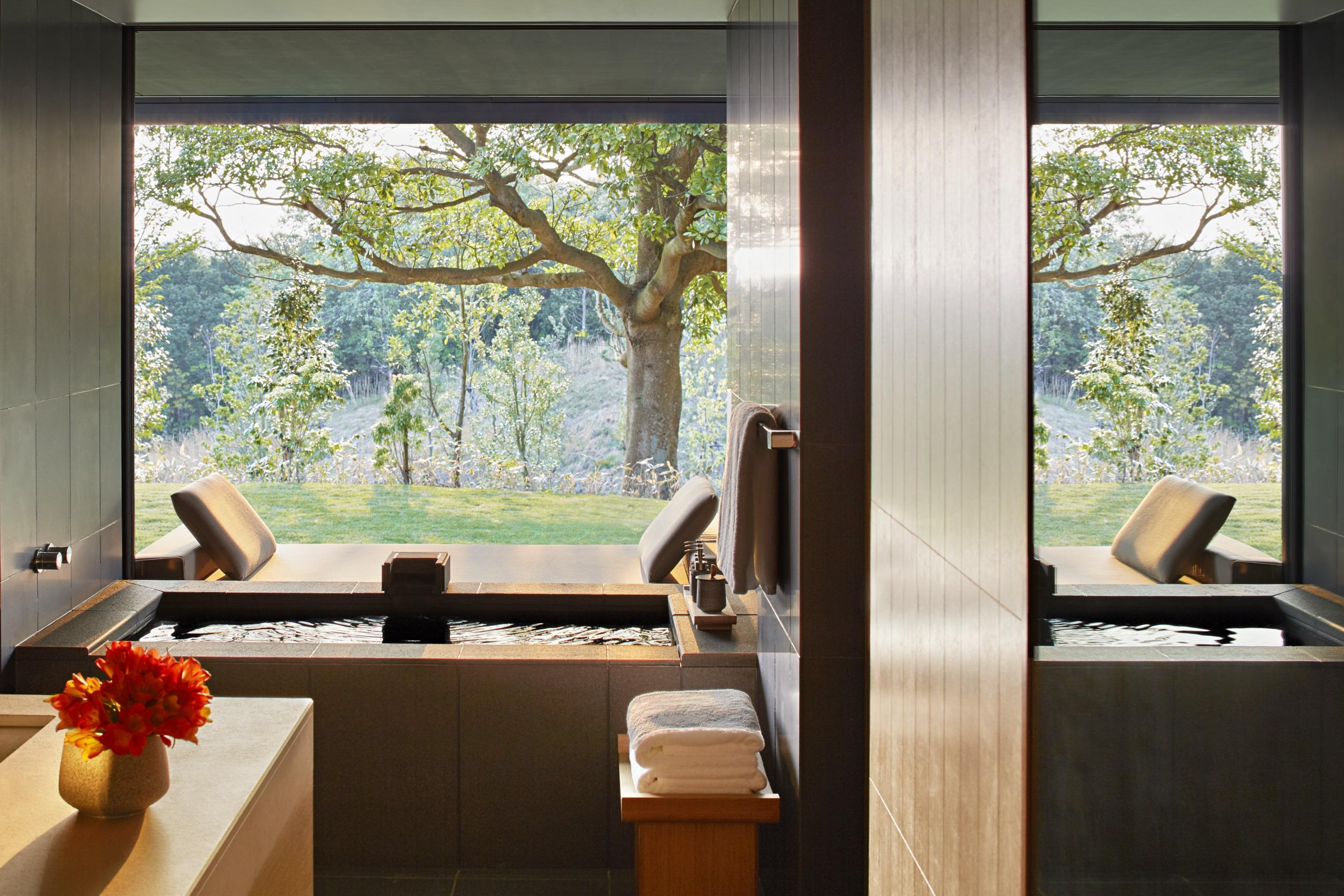 Mori Suite Amanemu bathroom.jpg